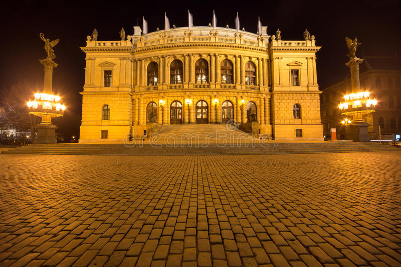 Krajowy teatr w Praga zdjęcia stock
