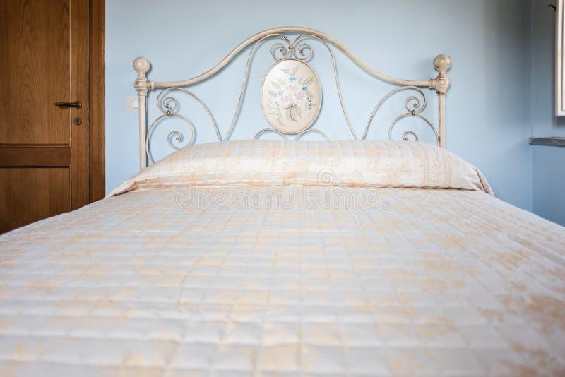 Kraju łóżko zdjęcia stock