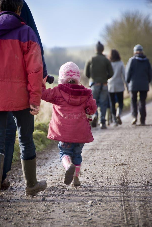 Kraju rodzinny spacer fotografia stock