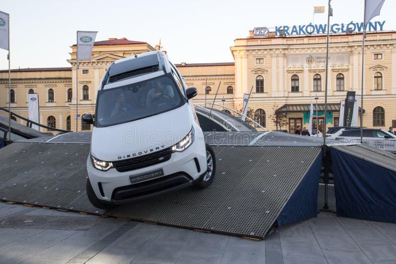 KRAKÓW, POLONIA, el 18 de abril de 2018, prueba de conducción con los pasajeros y o fotos de archivo