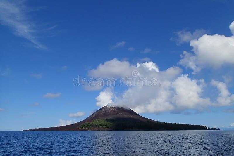 Krakatoa berg royaltyfri bild