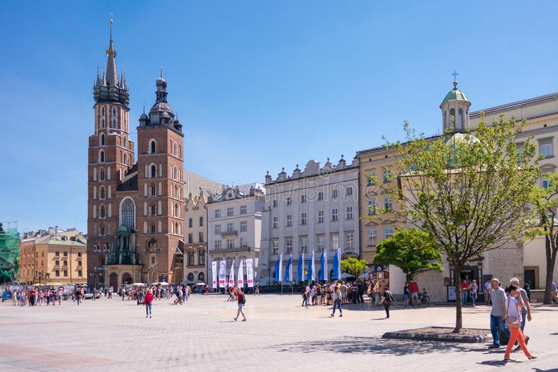 KRAKAU, POLEN - JUNI 2017: Alten Stadtzentrum-Ansicht St Mary Basilika in Krakau stockfotos