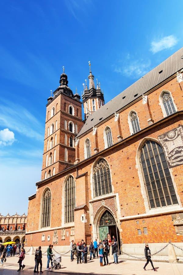 Krakau- - Polen-` s historische Mitte, eine Stadt mit alter Architektur St- Mary` s Basilika lizenzfreie stockbilder