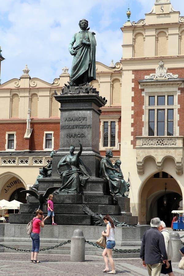 Krakau, staart Miasto. Het beeldhouwwerk van Adam Mickewicz stock afbeelding