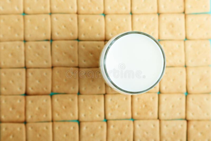Krakers z mlekiem zdjęcia stock
