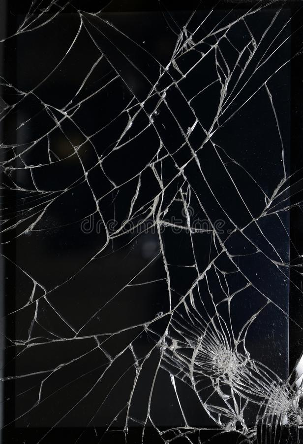 Krakingowy szkło na czerni obrazy royalty free