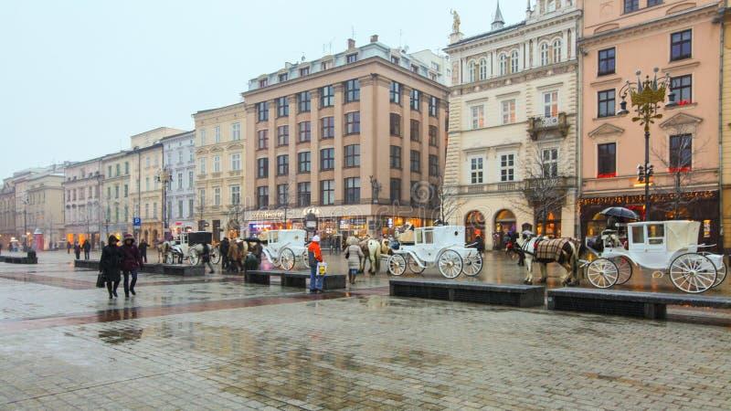 Download Krakow główny plac zdjęcie stock editorial. Obraz złożonej z europejczycy - 57671793