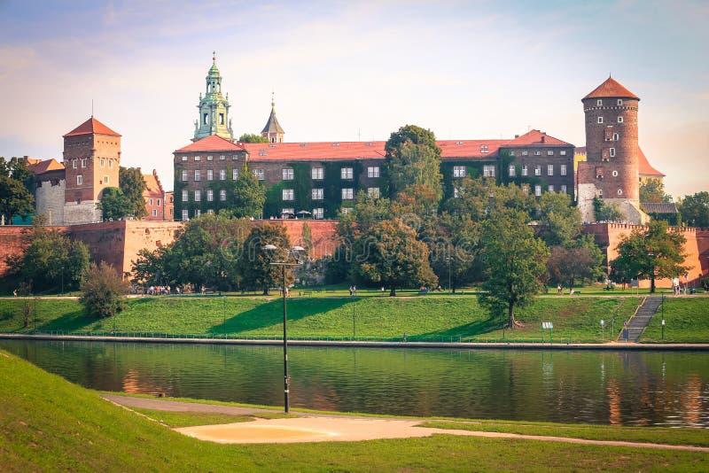 Download Krakow/medeltida Slott Poland Fotografering för Bildbyråer - Bild av poland, panorama: 76702751
