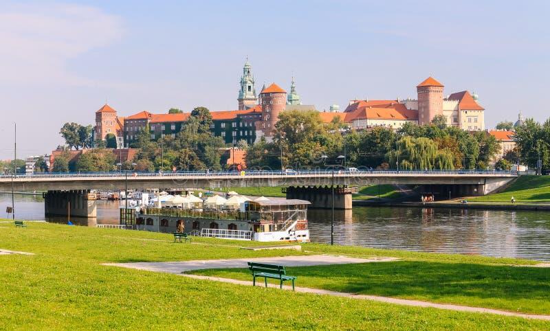 Download Krakow/medeltida Slott Poland Fotografering för Bildbyråer - Bild av sceniskt, östligt: 76702815