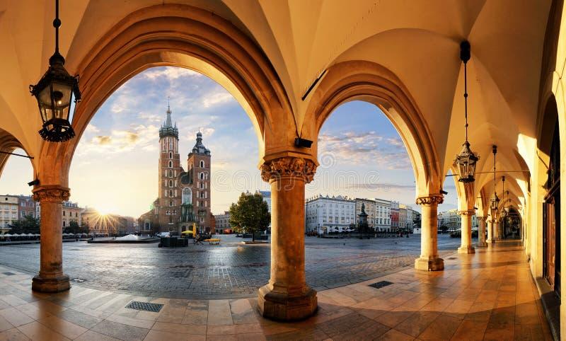 Krakow på soluppgång, Polen
