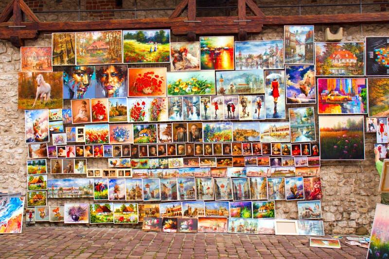 Krakow, Polônia 1º de junho de 2019: Cidade velha da cidade com arquitetura bonita imagens de stock
