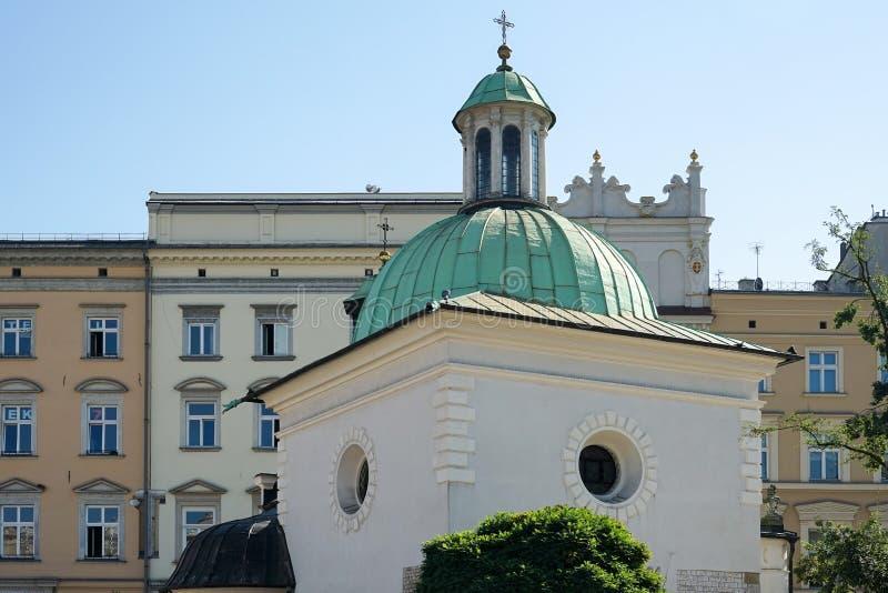KRAKOW POLAND/EUROPE - SEPTEMBER 19: Kyrka av St Adalbert in royaltyfri foto