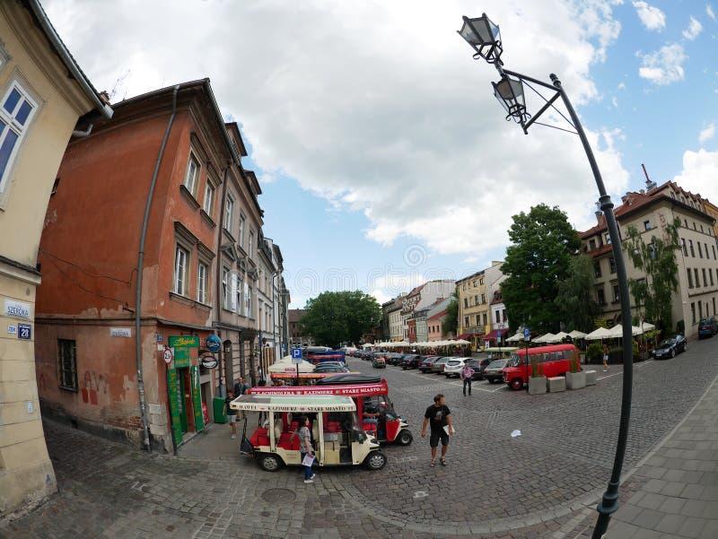 Krakow Polska, Czerwiec, - 17, 2016: Szeroka ulica Krakow Jewis zdjęcie stock