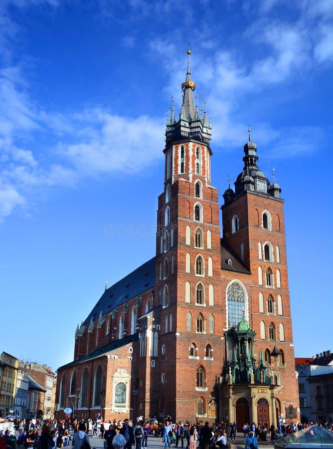 KRAKOW POLSKA, KWIECIEŃ, - 10, 2015: St Mary kościół w dziejowym fotografia stock
