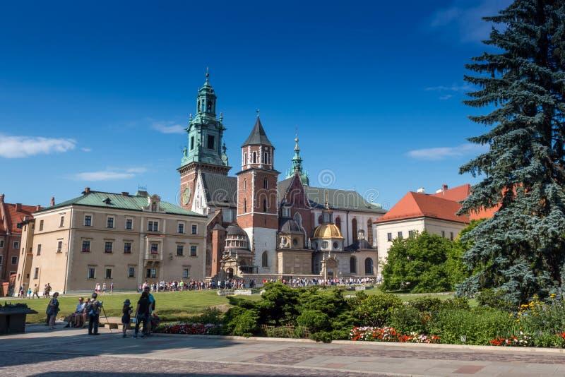 KRAKOW POLSKA, Lipiec, -, 2017: Środkowa część sławny Wawel Królewski kasztel w Krakow obrazy royalty free