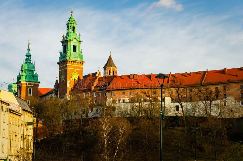 Krakow Wawel kasztel przy zmierzchem przy końcówką Luty, spokój ciepła przyjemna pogoda zdjęcia stock