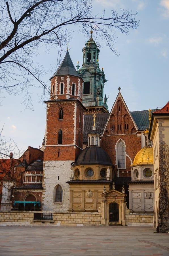 Krakow Wawel kasztel przy zmierzchem przy końcówką Luty, spokój ciepła przyjemna pogoda zdjęcie royalty free