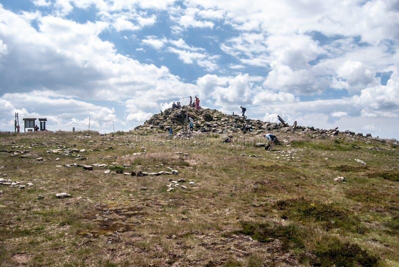 Kralicky Sneznik & x28; Snieznik& x29; kulletoppmöte på tjecken - polermedelgränser arkivbild