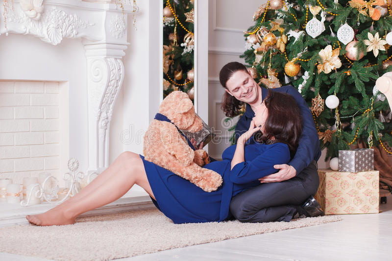 Kramar gravida par arkivfoton