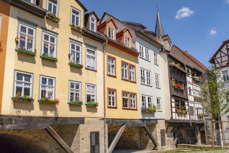 Kramerbrucke in Erfurt an einem schönen Sommertag, Deutschland lizenzfreies stockfoto