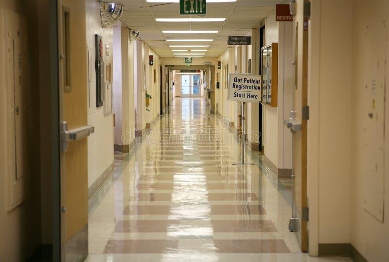 Krankenhaus-Halle lizenzfreie stockbilder