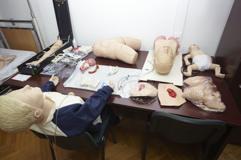 Krankenhaus-Medizinausbildung der Puppe geduldige stockfotos