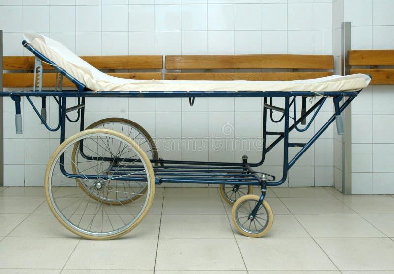 Krankenhausbett lizenzfreie stockfotos