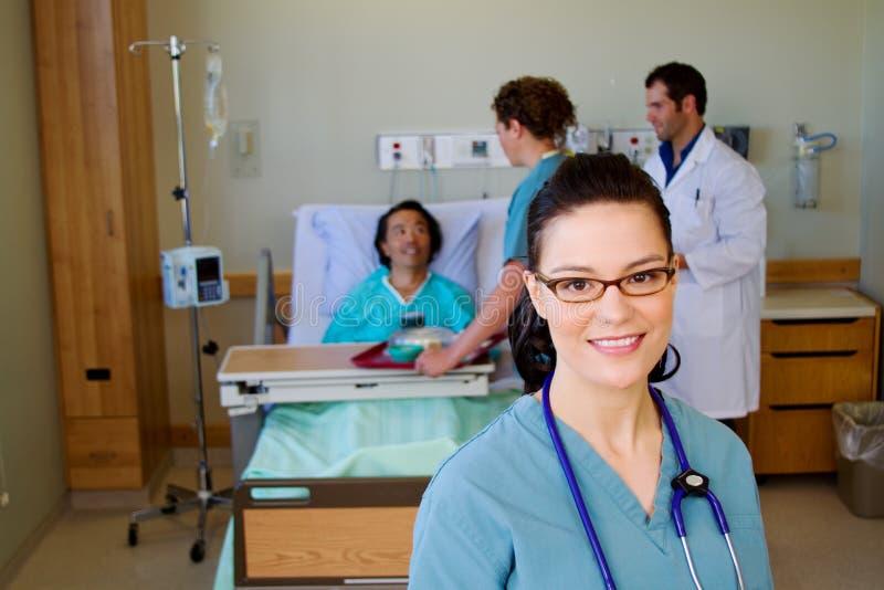 Krankenschwester Besucht Zwei Patienten
