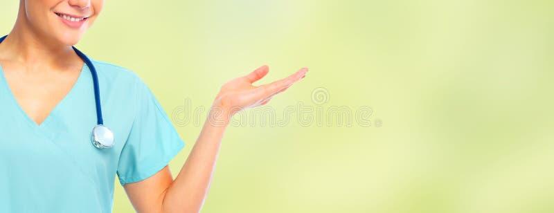 Krankenschwester, die einen Kopienraum darstellt lizenzfreies stockfoto