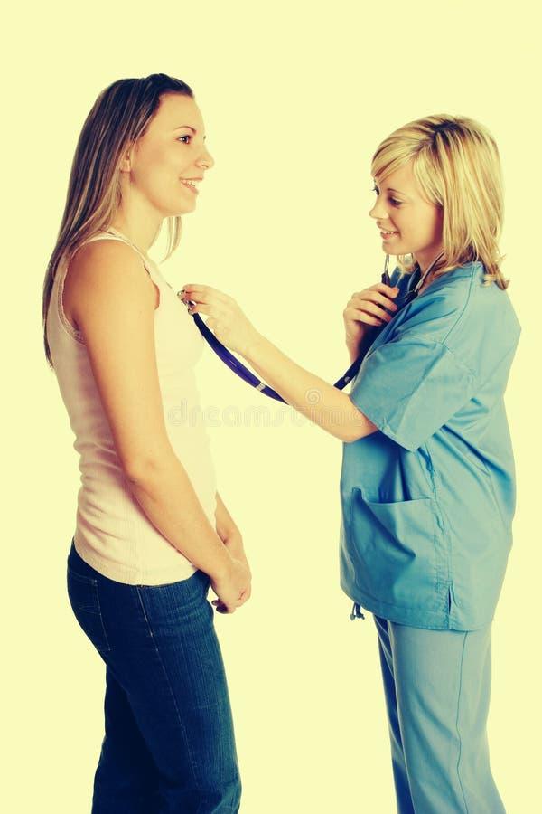 Krankenschwester und Patient lizenzfreies stockfoto