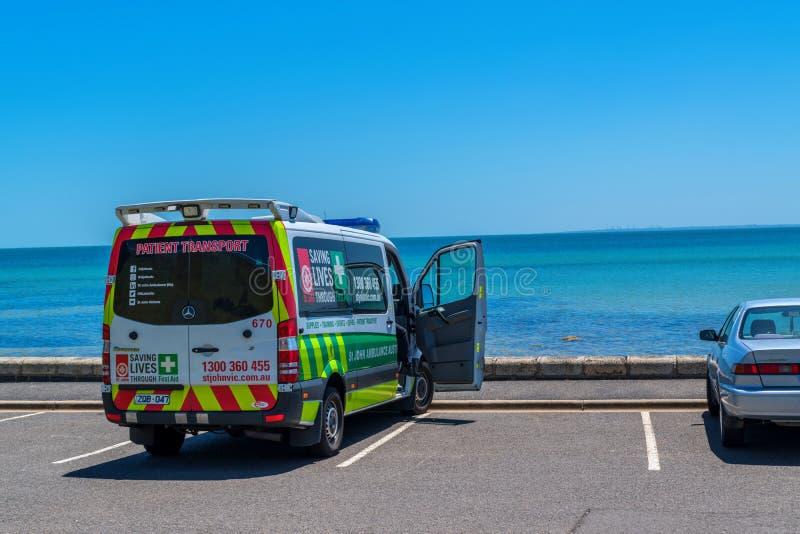 Krankenwagenauto bei Frankston lizenzfreie stockfotos