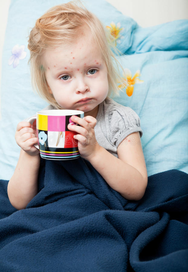 Krankes Mädchen lizenzfreies stockfoto