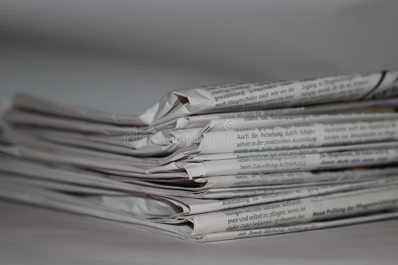Krantennieuws 2019 stock foto