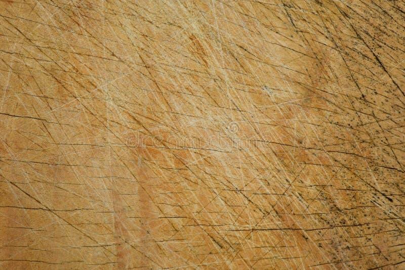 Kras oud hardhout voor bruine achtergrond stock foto's