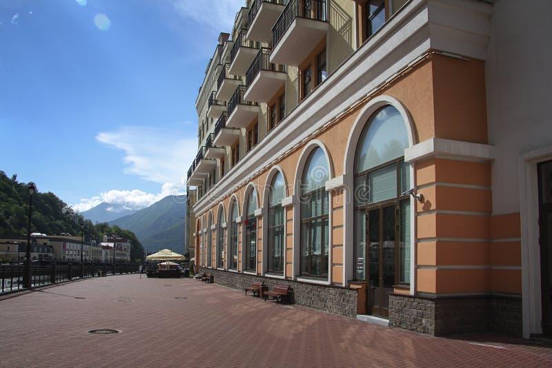 Krasnaya Polyana Sotchi 2014 - Olympisch Park, Roza Khutor, hotels royalty-vrije stock afbeeldingen