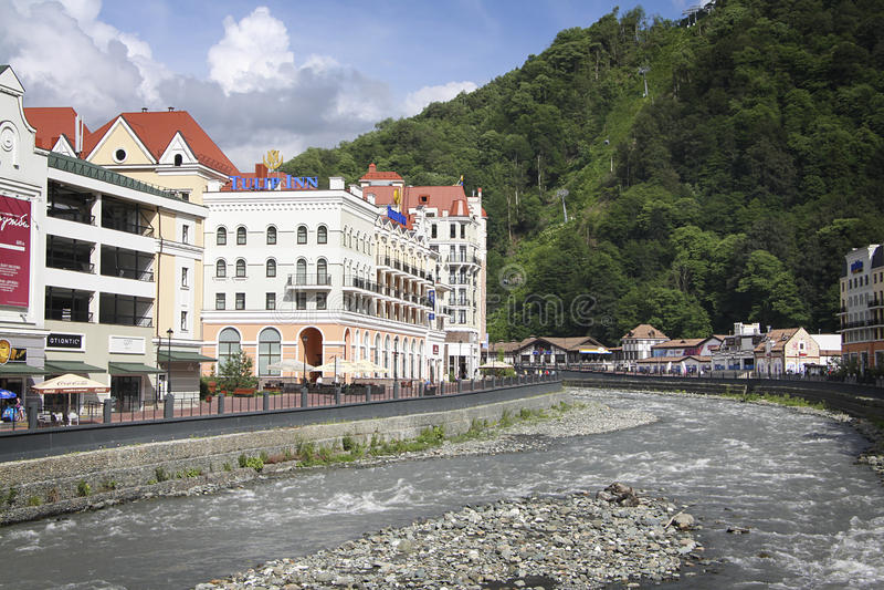 Krasnaya Polyana Sotchi 2014 - Olympisch Park, Roza Khutor, hotels stock foto's