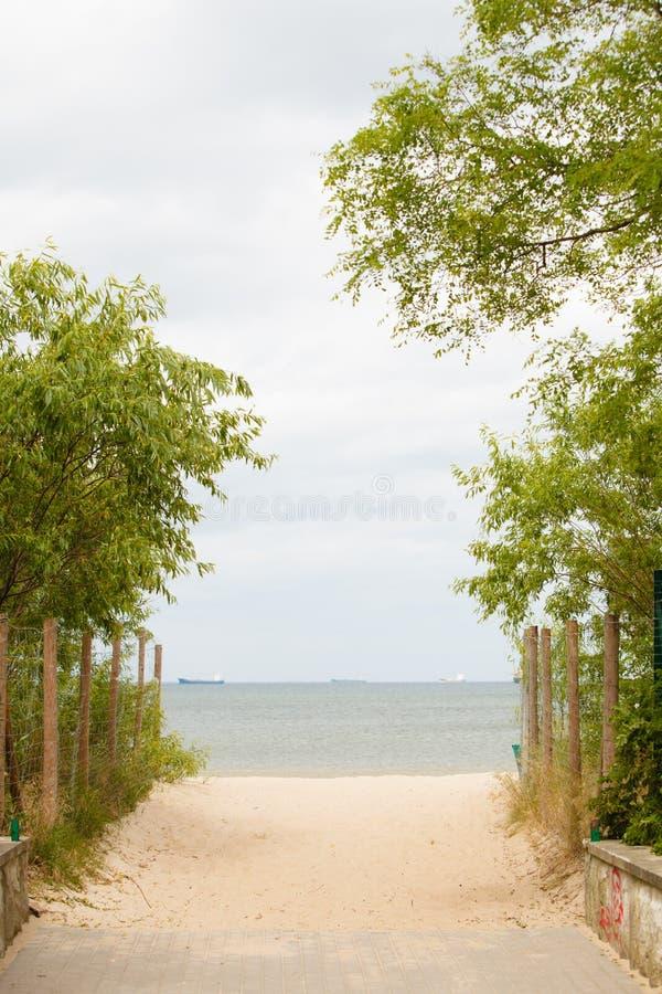 krasnodar διακοπές θερινών εδαφών katya Είσοδος σε μια αμμώδη παραλία Seascape στοκ εικόνες με δικαίωμα ελεύθερης χρήσης