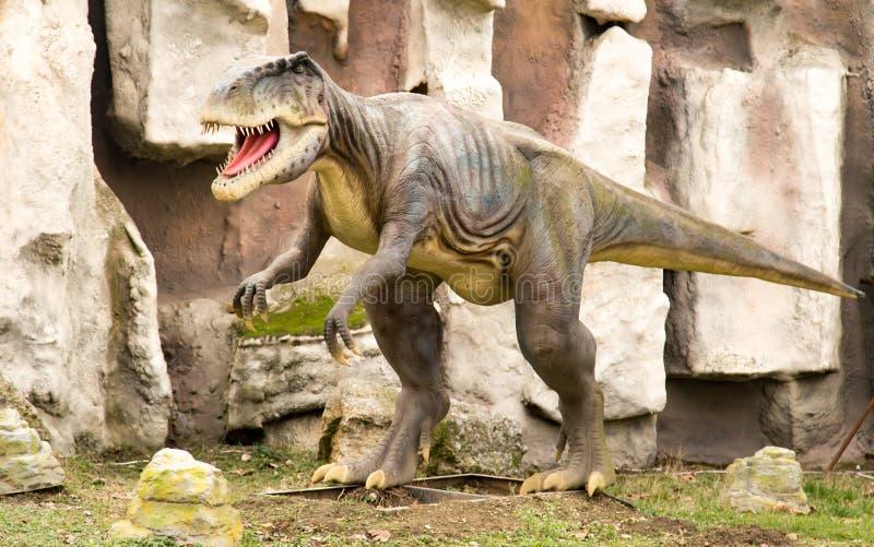 Krasnodar, Federazione Russa 5 gennaio 2018: Modello del dinosauro in Safari Park della città di Krasnodar immagine stock