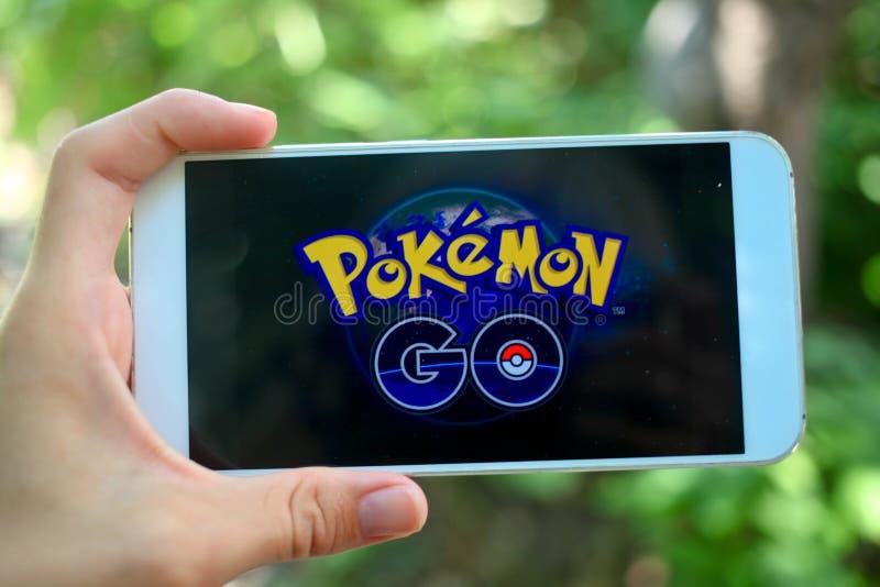 KRASNODAR, RÚSSIA - em julho 26,2016: Pokemon Go é um lugar fotos de stock royalty free