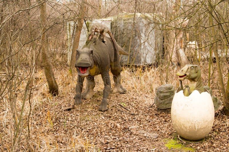 Krasnodar, Russische Federatie 5 Januari, 2018: Model van de dinosaurus in Safari Park van de stad van Krasnodar stock fotografie