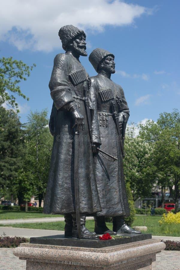 Krasnodar Ryssland, 7 kan 2019 Monument till kosackar och bergsbestigare-hjältar av det första världskriget på den Krasnaya gatan arkivbild