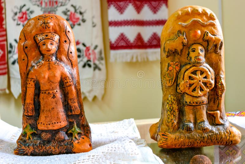 Krasnoe, Rusland - Mei 2016: Tentoonstelling-verkoop van keramiek royalty-vrije stock foto's
