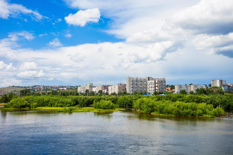 Krasnoyarsk stad på Yenisey royaltyfri bild