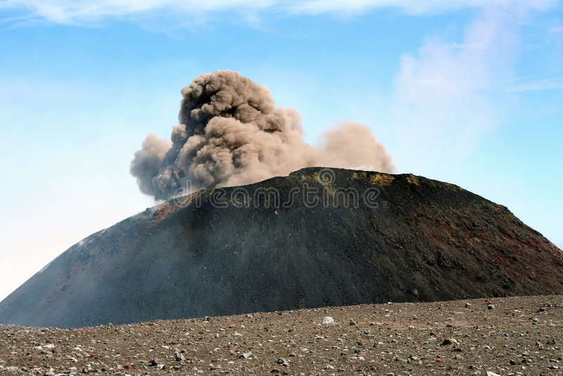 krater dziennego Etna eksploduje obraz royalty free