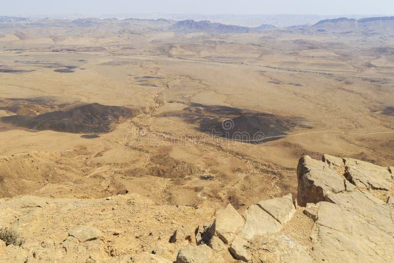 Krater Ramon im Wüste Negev, Israel stockfotos