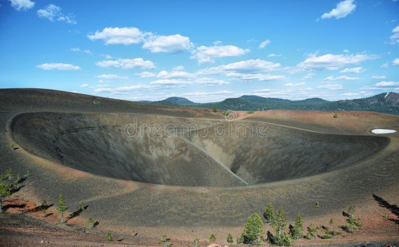 Krater van Cinder Cone, het Vulkanische Nationale Park van Lassen stock foto