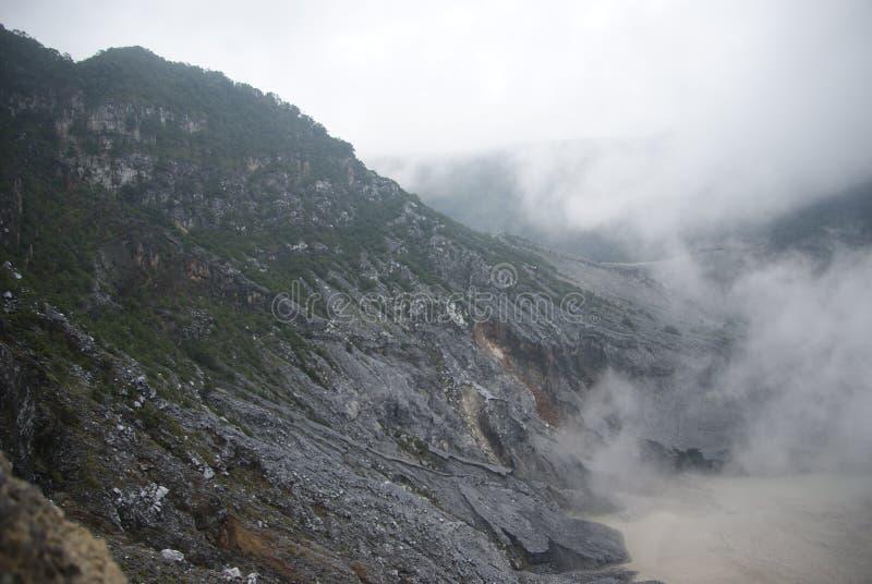 Krater van Tangkuban Perahu in Bandung, Indonesië stock fotografie