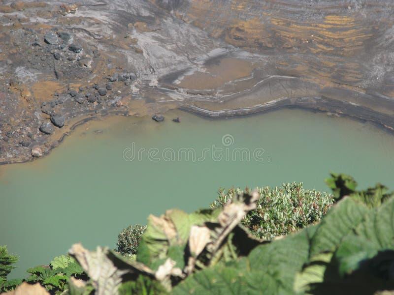 kraterirazuvulkan fotografering för bildbyråer