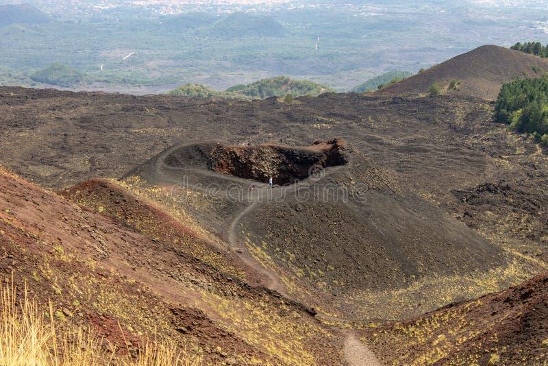 Kraters van Etna in Sicilië stock foto's