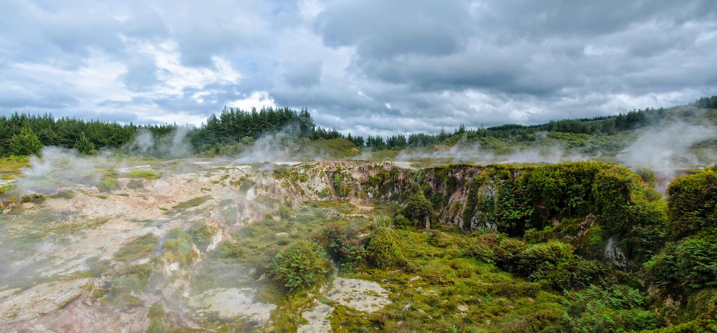 Kratery księżyc są geotermiczny spacer lokalizować właśnie północą Taupo zdjęcie stock